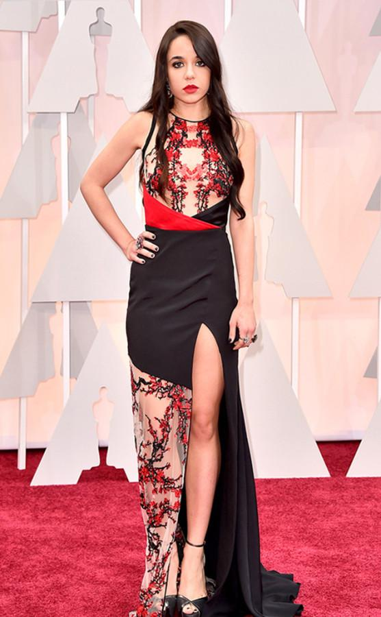 Lorelei Linklater didn't look too happy to be at the Oscars. Her dress choice, which was a Gabriela Cadena dress, was a terrible decision. Her hair looked dull and lifeless.