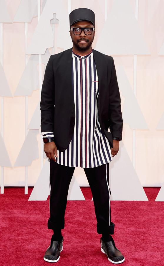 Train conductor or referee? Will.I.Am looked like both in this ensemble. This was not a wise choice for the red carpet.