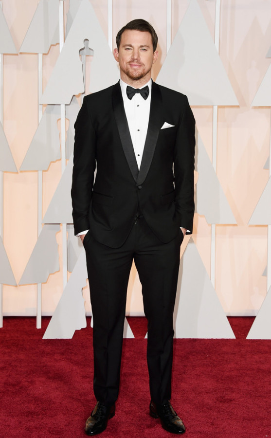 Movie star Channing Tatum looked dashing in a black-and-white Dolce & Gabbana suit. We can all say that he was one of the best dressed.
