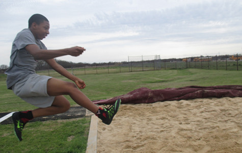 Track and field athletes prepare for next season